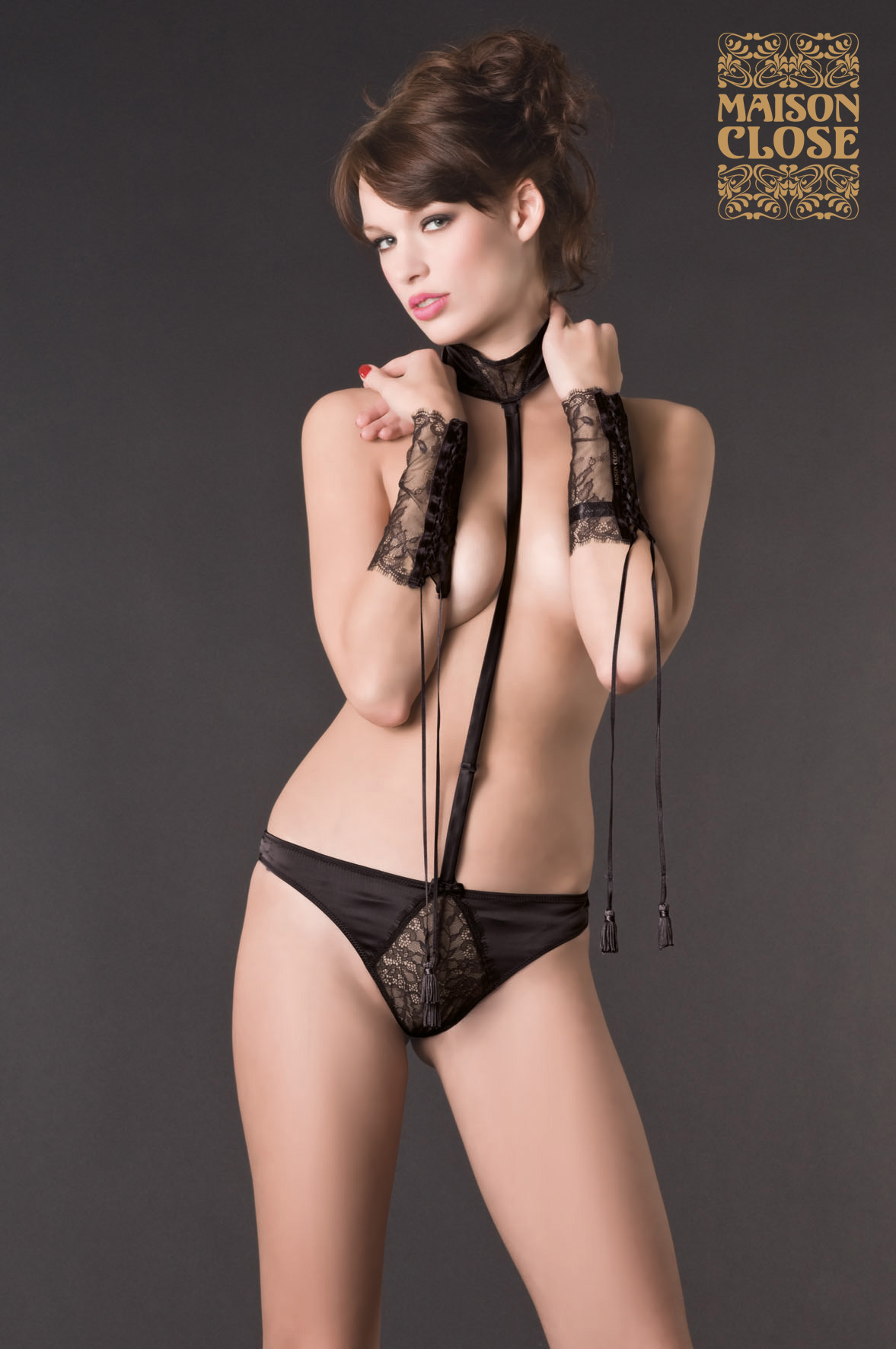 Villa Satine Thong Harness